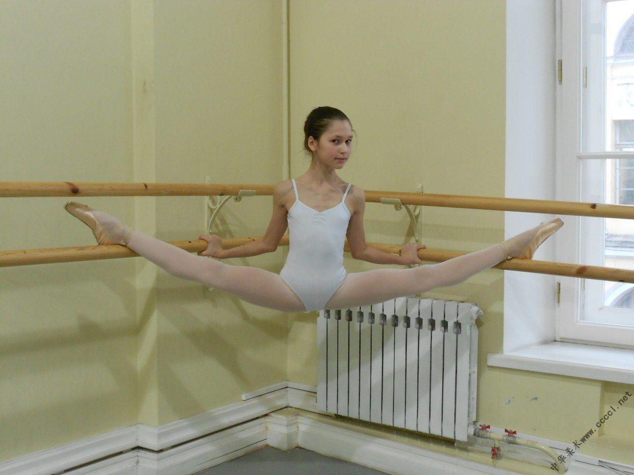 国外舞蹈女孩的唯美写真