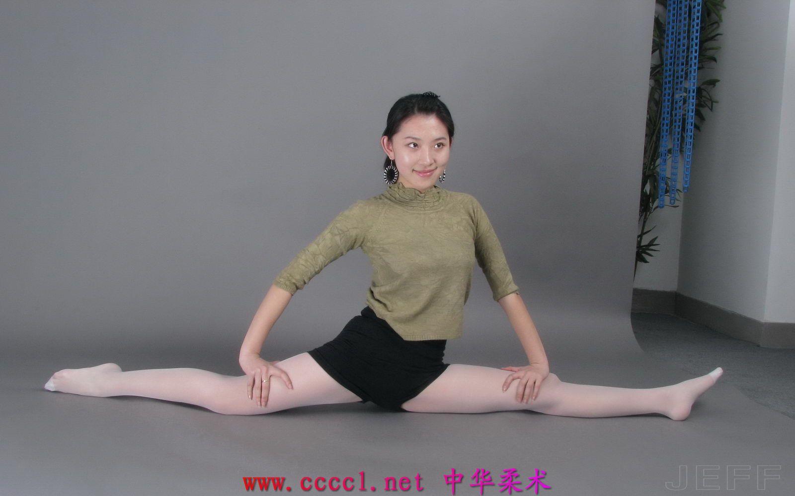 柔术美女训练视频 清村小美女柔术视频